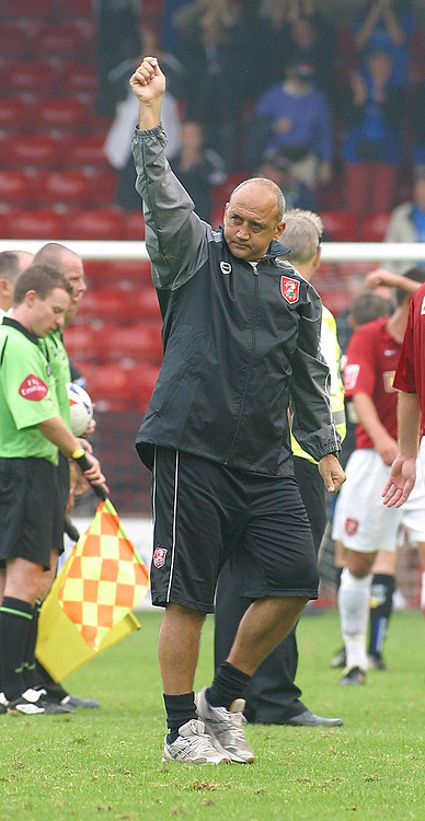 Photo: Dave Linney.<br />Walsall v Macclesfield Town. Coca Cola League 2. 16/09/2006.Walsall MgrRichard Money thanks the fans at the end of the game.