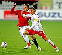 Fotball , 12. oktober 2007 , Landskamp U21 , Norge - Sveits , Vadim Demidov Norge , Reto Ziegler Sveits , Foto: Thomas Andersen , Digitalsport