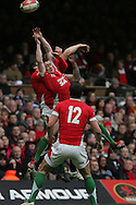 Shane Williams of Wales attempts to catch a high ball. RBS Six nations, Wales v Scotland at the Millennium stadium, Cardiff on Sat 13th Feb 2010. pic by  Andrew Orchard sports photography,