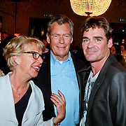 NLD/Amsterdam/20110415 - CD presentatie Jeroen van der Boom, Jeroen met zijn ouders