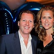 NLD/Noordwijk/20100502 - Gerard Joling 50ste verjaardag, Michiel Mol en partner Paulien Huizinga