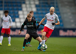 GRÖDIG, AUSTRIA - Tuesday, December 10, 2019: Liverpool's Jake Cain (L) and FC Salzburg's Peter Pokorny during the final UEFA Youth League Group E match between FC Salzburg and Liverpool FC at the Untersberg-Arena. (Pic by David Rawcliffe/Propaganda)