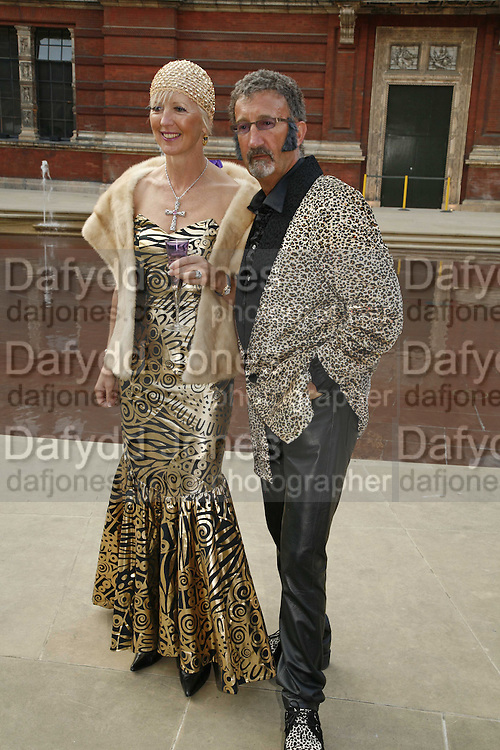 EDDIE JORDAN AND MARIE JORDAN, The Biba Ball in aid of CLIC Sargent. Victoria & Albert Museum, London. 11 May 2006.ONE TIME USE ONLY - DO NOT ARCHIVE  © Copyright Photograph by Dafydd Jones 66 Stockwell Park Rd. London SW9 0DA Tel 020 7733 0108 www.dafjones.com