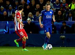 Jamie Vardy of Leicester City takes on Juanfran of Atletico Madrid - Mandatory by-line: Robbie Stephenson/JMP - 18/04/2017 - FOOTBALL - King Power Stadium - Leicester, England - Leicester City v Atletico Madrid - UEFA Champions League Quarter-Final Second Leg