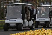 Zweedse kroonprinses Victoria is aanwezig bij de opening van de keukenhof en zal deze officieel openen.<br /> Dit jaar staat Keukenhof in het teken van 300 year Linnaeus, the King of Flowers. Van 22 maart tot en met 20 mei kunnen tuin- en natuurliefhebbers de lente vieren in de Keukenhof. In die periode is het 32 hectare grote park een lust voor het oog, met maar liefst 7 miljoen bloeiende bolbloemen, bloeiende heesters, eeuwenoude bomen en vijvers met sierlijke fonteinen.  / Swedish crown princess victoria is officially present at the opening of the Keukemhof and this  this year The Keukenhof court dominated by 300 year Linnaeus, the King or Flowers. From 22 March till  20 May peoples celebrate spring in the Keukenhof. In that period it 32 is hectares large park a desire for the eye, with no less than 7 millions flowers, thriving shrubs, secular trees and ponds with elegant fontains