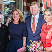 NLD/Amsterdam/20150604 - Koningspaar aanwezig bij de opening van het Holland Festival
