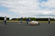Het Human Power Team Delft en Amsterdam (HPT) legt de eerste meters af met de VeloX3, de nieuwe fiets waarmee het HPT in september 2013 hoopt het wereldrecord te breken.<br /> <br /> The Human Power Team Delft and Amsterdam (HPT) is making the first test meters with the VeloX3, the bike with which the team hopes to break the world record in September 2013.