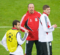 MILAN, ITALY - Monday, March 10, 2008: Liverpool's manager Rafael Benitez, captain Steven Gerrard and Javier Mascherano training at the San Siro Stadium ahead of the UEFA Champions League First knockout round 2nd Leg match against FC Internazionale Milano. (Pic by David Rawcliffe/Propaganda)