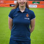 NLD/Velsen/20130701 - Selectie Nederlands Dames voetbal Elftal, fysiotherapeut Kim van Wijk