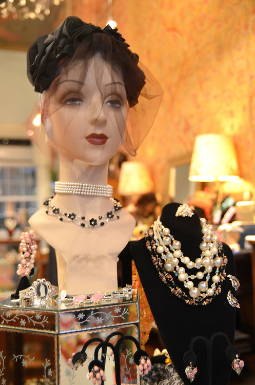 Photograph of the boutique Pippin Vintage Jewelry in Chelsea New York.