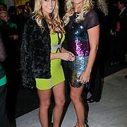 NLD/Amsterdam/20121104 - Premiere Shrek de musical, Monique Smit en Liza Plat