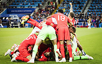 Moskau, 03.07.2018 Schlussjubel England - Spieler begraben Torwart Jordan Pickford (England) , Danny Rose (England), Marcus Rashford (England) England - Kolumbien *** Moscow 03 07 2018 Final Cheers England Players Buried Goalkeeper Jordan Pickford England Danny Rose England Marcus Rashford England England Colombia