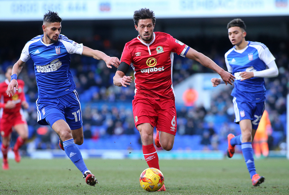 Blackburn Rovers' Jason Lowe gets away from Ipswich Town's Kevin Bru<br /> <br /> Photographer David Shipman/CameraSport<br /> <br /> The EFL Sky Bet Championship - Ipswich Town v Blackburn Rovers - Saturday 14th January 2017 - Portman Road - Ipswich<br /> <br /> World Copyright © 2017 CameraSport. All rights reserved. 43 Linden Ave. Countesthorpe. Leicester. England. LE8 5PG - Tel: +44 (0) 116 277 4147 - admin@camerasport.com - www.camerasport.com