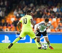 Valencia's Santi Mina and KAA Gent's Renato Neto during Champions league match. October 20, 2015. (ALTERPHOTOS/Javier Comos)