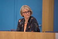 DEU, Deutschland, Germany, Berlin, 12.05.2021: Bundesbildungsministerin Anja Karliczek (CDU) in der Bundespressekonferenz zur aktuellen Corona-Lage.