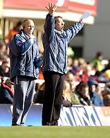 Photo: Olly Greenwood.<br />Arsenal v Charlton Athletic. The Barclays Premiership. 18/03/2006. Charlton manager Alan Curbishley.