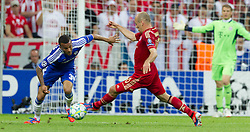19.05.2012, Allianz Arena, Muenchen, GER, UEFA CL, Finale, FC Bayern Muenchen (GER) vs FC Chelsea (ENG), im Bild Ryan Bertrand, (FC Chelsea, #34) und Arjen Robben, (FC Bayern München #10) during the Final Match of the UEFA Championsleague between FC Bayern Munich (GER) vs Chelsea FC (ENG) at the Allianz Arena, Munich, Germany on 2012/05/19. EXPA Pictures © 2012, PhotoCredit: EXPA/ Peter Rinderer