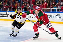 January 6, 2018 - Mora, SVERIGE - 180106 BrynÅs Henrik Larsson och Moras Robin Johansson under ishockeymatchen i SHL mellan Mora och BrynÅs den 6 januari 2018 i Mora  (Credit Image: © Simon HastegRd/Bildbyran via ZUMA Wire)
