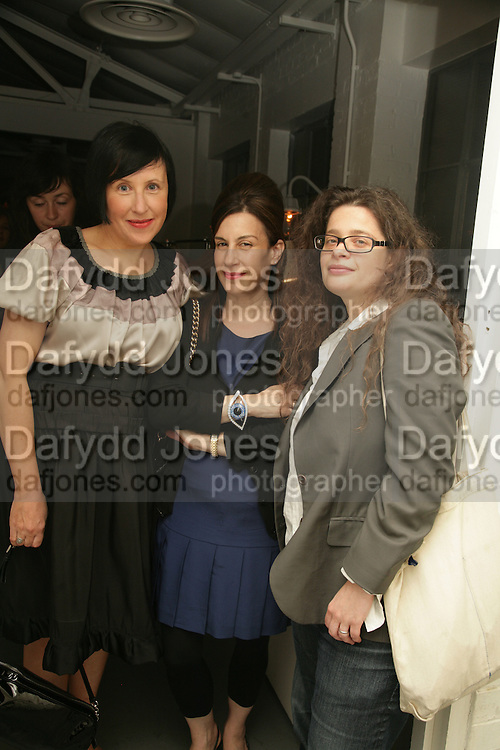 Alice Rawthorn, Maureen Paley and Amanda Sharp,  Opening of new  Wilkinson gallery. Vyner St. London. E2. Party afterwards at Bistrotheque. 6 September 2007. -DO NOT ARCHIVE-© Copyright Photograph by Dafydd Jones. 248 Clapham Rd. London SW9 0PZ. Tel 0207 820 0771. www.dafjones.com.