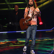 NLD/Hilversum/20131107- The Voice of Holland 1e live uitzending, optreden Vince Irie