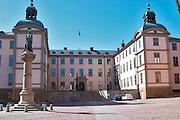The Wrangelska Palatset on Riddarholmen, seat of Svea Hovratt, the appeals court, dating back to the 16th century. Statue of Birger Jarl (B Magnusson) on Riddarholmen. Stockholm. Sweden, Europe.