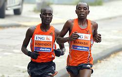 15-10-2006 ATLETIEK: MARATHON AMSTERDAM: AMSTERDAM<br /> Winnaar Solomon Bushendich (l) en nummer twee Bernard Barmasai zondag op weg naar de finish bij de Amsterdam Marathon<br /> ©2006: WWW.FOTOHOOGENDOORN.NL