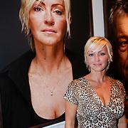 NLD/Amsterdam/20110926 -Onthulling foto's van Nederlandse acteurs in het DelaMar theater, Lone van Rosendaal