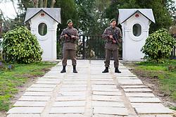 THEMENBILD - Soldaten mit Maschinenpistoen. Istanbul, früher Konstantinopel, ist die größte Stadt der Türkei. Sie liegt am Bosporus und liegt am Schnittpunkt von Asien und Europa. Aufgenommen am 06.03.2016 in Istanbul, Türkei // Soldiers with mashine gun. Istanbul, former Constantinople, is the biggest City of Turkey. Turkey on 2016/03/06. EXPA Pictures © 2016, PhotoCredit: EXPA/ Michael Gruber