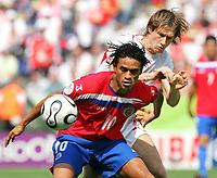 v.l. Walter Centeno, Miroslav Szymkowiak Polen<br /> Fussball WM 2006 Costa Rica - Polen<br /> Norway only