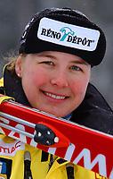 Alpint, 28.11.2001 Lake Louise, Kanada,<br />Die Kanadierin Melanie Turgeon am Donnerstag (29.11.2001) beim Training zur Ski Alpin Weltcup Abfahrt der Damen in Lake Louis, Kanada.<br />Foto: Digitalsport