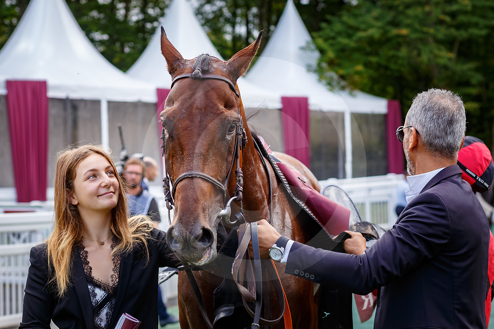 Nice To See You (V. Cheminaud) wins Qatar Racing And Equestrian Club Grand Handicap Des Hauts-De-France in Chantilly, France 10/09/02017, photo: Zuzanna Lupa