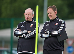 NEWPORT, WALES - Sunday, May 22, 2016: Lennie Lawrence and Carl Darlington during the Football Association of Wales' National Coaches Conference 2016 at Dragon Park FAW National Development Centre. (Pic by David Rawcliffe/Propaganda)