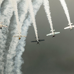 Meeting aérien organisé sur l'aérodrome de Cerny-La Ferté Alais.<br /> Organisé par l'Amicale Jean Baptiste Salis, c'est en 2015 l'occasion de découvrir la patrouille des aérostars sur Yak-50, et toujours quelques ailes anciennes, Curtiss H-75, Sea Fury et les acrobaties du Rafale solo display au couleurs du Tiger meet.<br /> mai 2015 / Cerny / Essonne (91) / FRANCE