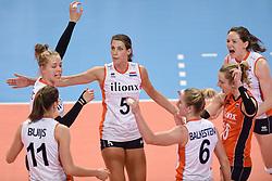 04-01-2016 TUR: European Olympic Qualification Tournament Nederland - Duitsland, Ankara <br /> De Nederlandse volleybalvrouwen hebben de eerste wedstrijd van het olympisch kwalificatietoernooi in Ankara niet kunnen winnen. Duitsland was met 3-2 te sterk (28-26, 22-25, 22-25, 25-20, 11-15) / Femke Stoltenborg #2, Robin de Kruijf #5, Lonneke Sloetjes #10, Debby Stam-Pilon #16