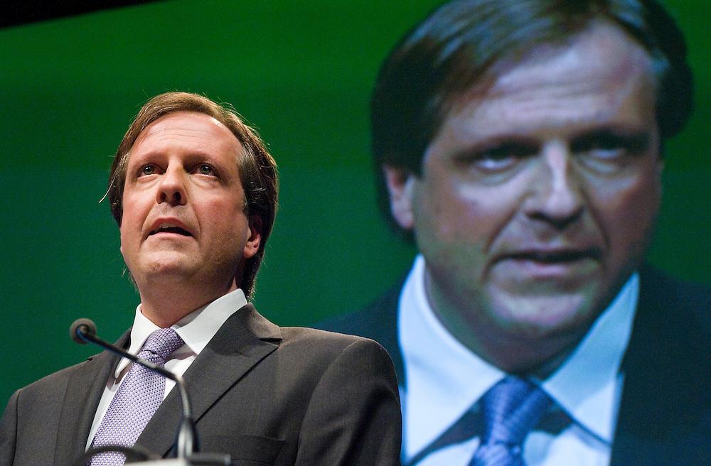 Nederland, Amsterdam, 17 april 2010.Verkiezingscongres D66..Alexander Pechtold, lijsttrekker van D66, spreekt tot het congres..Foto (c)  Michiel Wijnbergh