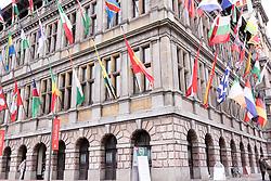 THEMENBILD - Das Rathaus von Antwerpen liegt auf der westlichen Seite vom Grote Markt. Es ist Teil von der UNESCO Welterbeliste, Aufgenommen am 27. Juli 2016 // The Stadhuis (City Hall) of Antwerp, Belgium, stands on the western side of Antwerp's Grote Markt (Great Market Square). It is inscribed on UNESCO's World Heritage List, Antwerp, Belgium on 2016/07/27. EXPA Pictures © 2016, PhotoCredit: EXPA/ Sebastian Pucher