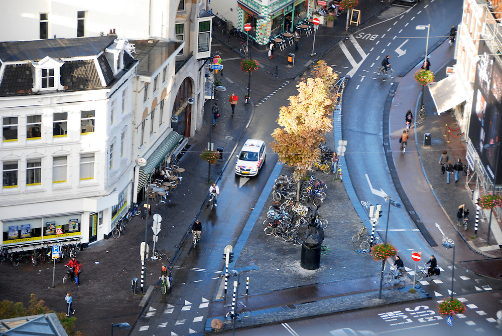 Utrecht, 12 okt 2009.binnenstad van Utrecht. verkeerspunt met voorsoorteren..Foto: (c) Renee Teunis