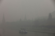 Moscow, Russia, 06/08/2010. .The Kremlin and the Moscow River shrouded in the intense smog that has permeated every part of he city in the record high temperatures of the continuing heatwave. Peat and forest fires in the countryside surrounding Moscow have resulted in the Russian capital being blanketed in heavy smog.