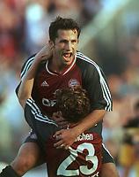 Fotball: Bundesliga 2001/2002. 1:3 Torjubel Hasan SALIHAMIDZIC, Owen Hargreaves 23<br />                               1860 München - Bayern München  1:5