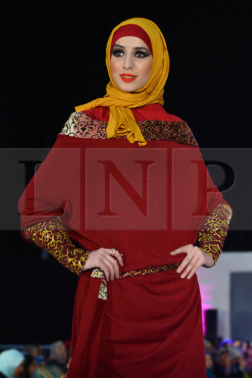© Licensed to London News Pictures. 23/11/2013, UK. Covered & Proud, Saverah Islamic Fashion Weekend, Global Peace & Unity Event, Excel, London UK, 23 November 2013. Photo credit : See Li/Piqtured/LNP