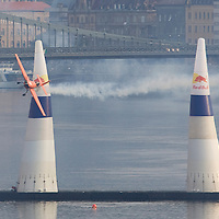 0708193858a Red Bull Air Race international air show qualifying runs over the river Danube, Budapest preceding the anniversary of Hungarian state foundation. Hungary. Sunday, 19. August 2007. ATTILA VOLGYI