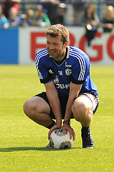 24.04.2014, Veltins Arena, Gelsenkirchen, GER, 1. FBL, Training Schalke 04, im Bild Co Trainer Sven Huebscher ( Schalke 04 ) // during a Trainingsession of German Bundesliga Club Schalke 04 at the Veltins Arena in Gelsenkirchen, Germany on 2014/04/24. EXPA Pictures © 2014, PhotoCredit: EXPA/ Eibner-Pressefoto/ Thienel<br /> <br /> *****ATTENTION - OUT of GER*****