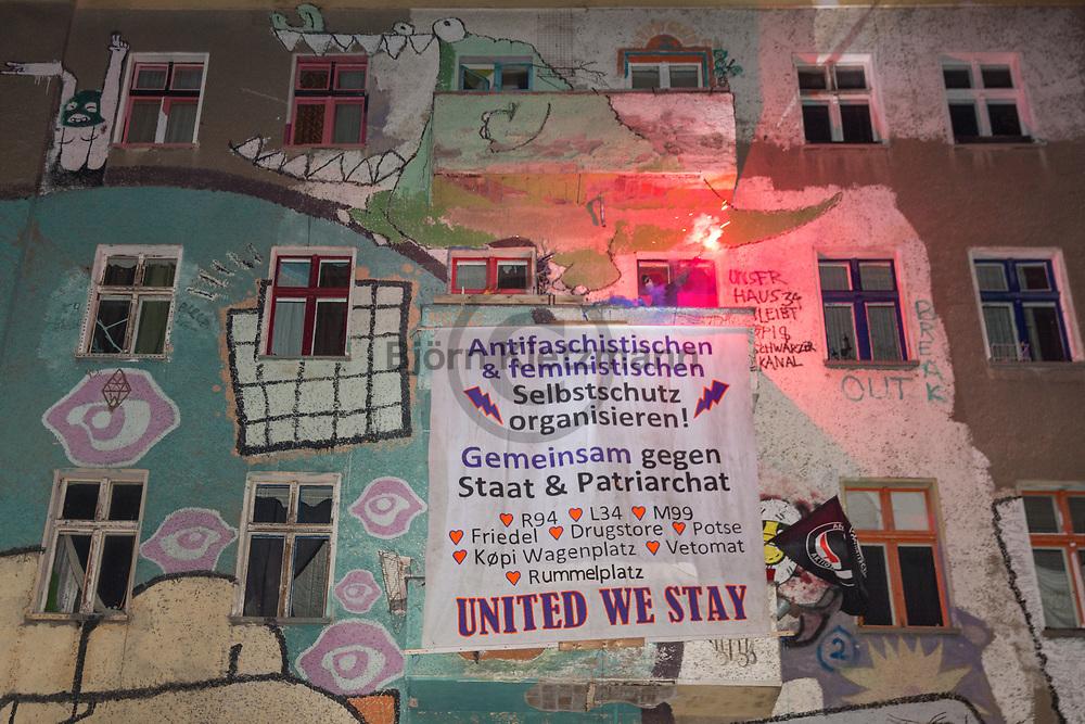 """Berlin, Germany - 06.02.2016 <br /> <br /> Thousands of people took part in the radical left demonstration """"Defending rebellious structures"""", among other things against the danger area police measures around the Rigaer Street in Berlin-Friedrichshain.<br /> <br /> Tausende Menschen beteiligen sich an der linksradikalen Demo """"rebellische Strukturen verteidigen"""" u.a. gegen die Gefahrengebiet Maßnahmen der Polizei rund um die Rigaer Strasse in Berlin-Friedrichshain.<br /> <br /> Photo: Bjoern Kietzmann"""