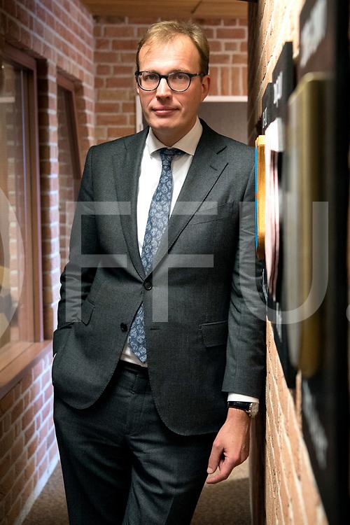 OMMEN - Afscheid interview Mark Bouwmans.<br /> Foto: Tussen de tegels van zijn voorgangers.<br /> FFU PRESS AGENCY COPYRIGHT FRANK UIJLENBROEK