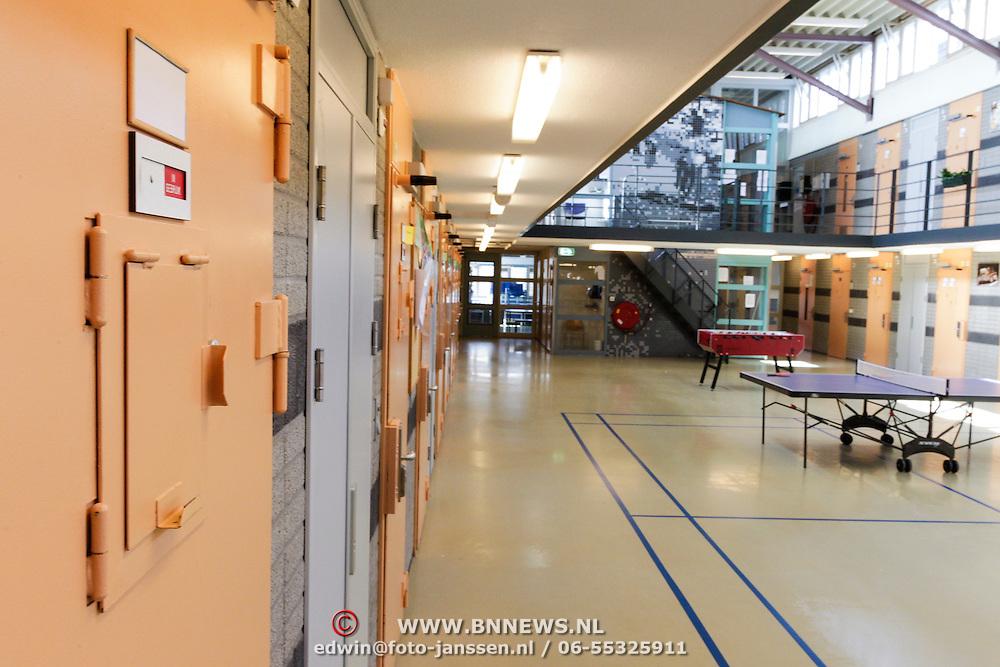 NLD/Almere/20120411 - Persviewing Buch in de Bajes, interieur PI Almere
