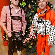 NLD/Hilversum/20151221 - Radio 538-dj's Coen Swijnenberg en Sander Lantinga vieren de aftrap van hun enige echte Kerstweek
