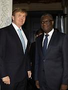 Symposium van de dr. Denis Mukwege Foundation. Het symposium staat in het teken van het Initiatief voor Herstel en Erkenning, een internationaal samenwerkingsverband dat de gevolgen van verkrachting als oorlogswapen moet verzachten. <br /> <br /> Symposium of the Dr Denis Mukwege Foundation. The symposium is dedicated to the Initiative for Reconstruction and Recognition, an international partnership that aims to mitigate the consequences of rape as a weapon of war.<br /> <br /> Op de foto / On the photo;   Dr Denis Mukwege en Koning Willem Alexander