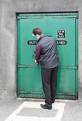 THEMENBILD - ein Mitarbeiter versperrt die Tür zum Lagerraum der Glenlivet Whiskey Destillerie bei Ballindalloch ab, Schottland, aufgenommen am 08. Juni 2015 // an employee locked the door to the storage of Glenlivet whiskey distillery near Ballindalloch, Scotland on 2015/06/08. EXPA Pictures © 2015, PhotoCredit: EXPA/ JFK