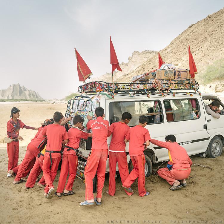 Hindu pilgrims in a minibus got stuck in the sandy Hingol river bed. Hingol National Park.