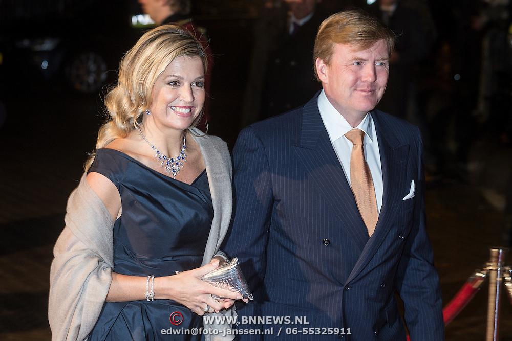 NLD/Scheveningen/20131130 - Inloop concert 200 Jaar Koningrijk der Nederlanden, Maxima en Willem - Alexander
